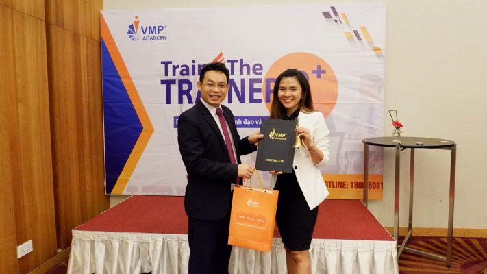Mc Thu Hien lop Train The Trainer